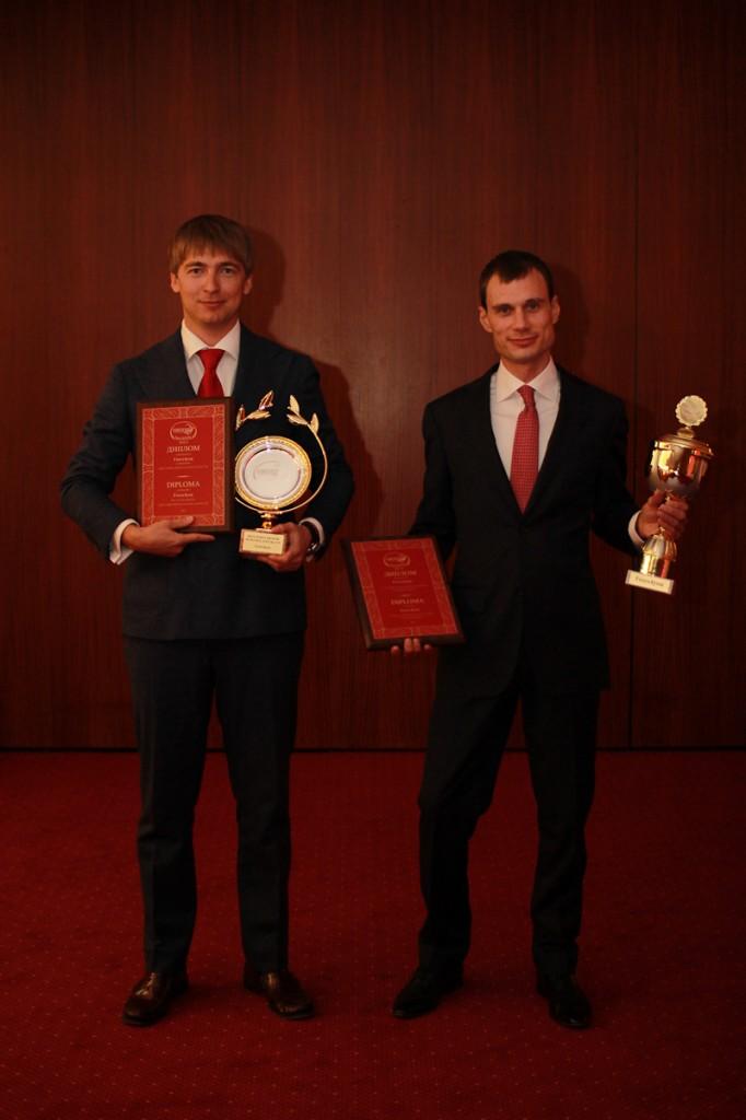 Forex4you стал лучшим брокером в России и СНГ - Forex4you-best-broker-in-Russia-and-CIS_4-682x1024